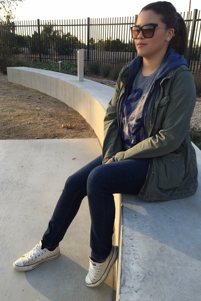 old-navy-jeans-h-m-jacket-junkfood-clothing-shirt-converse-sneakers_400